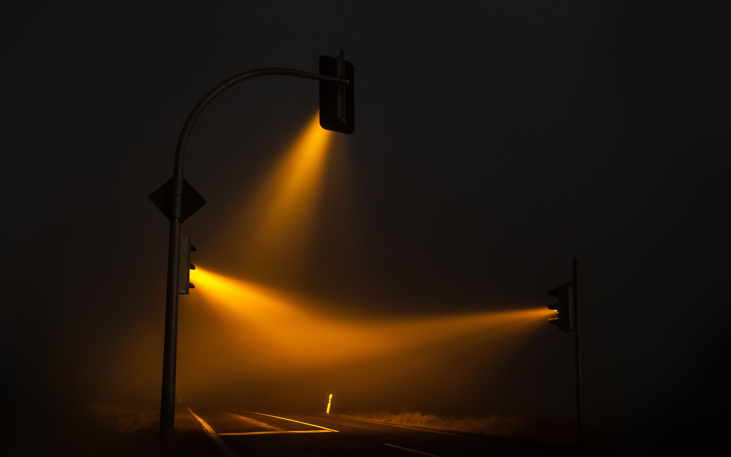 Luz amarilla, Traffic Lights, de Lucas Zimmerman.