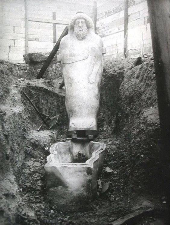 Sarcófago fenicio encontrado el 30 de Mayo del año 1887.