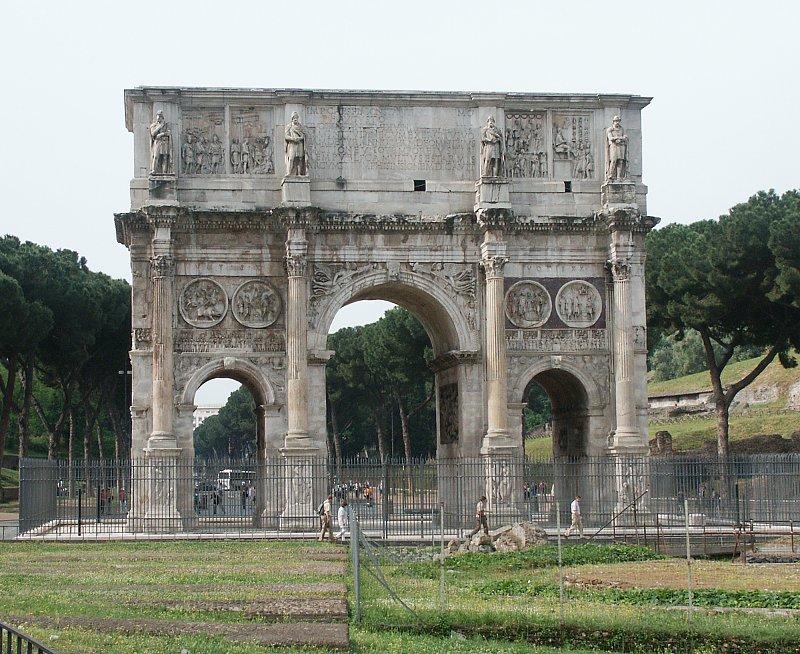 Ejemplo de arcos, arco de Constantino, Roma (Italia).