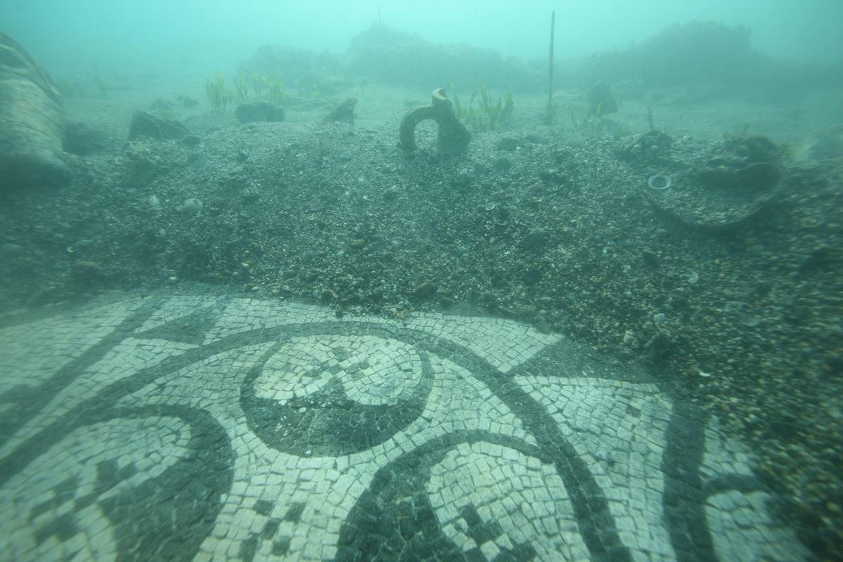 Ruinas arqueológicas del imperio romano en la ciudad de Baia.