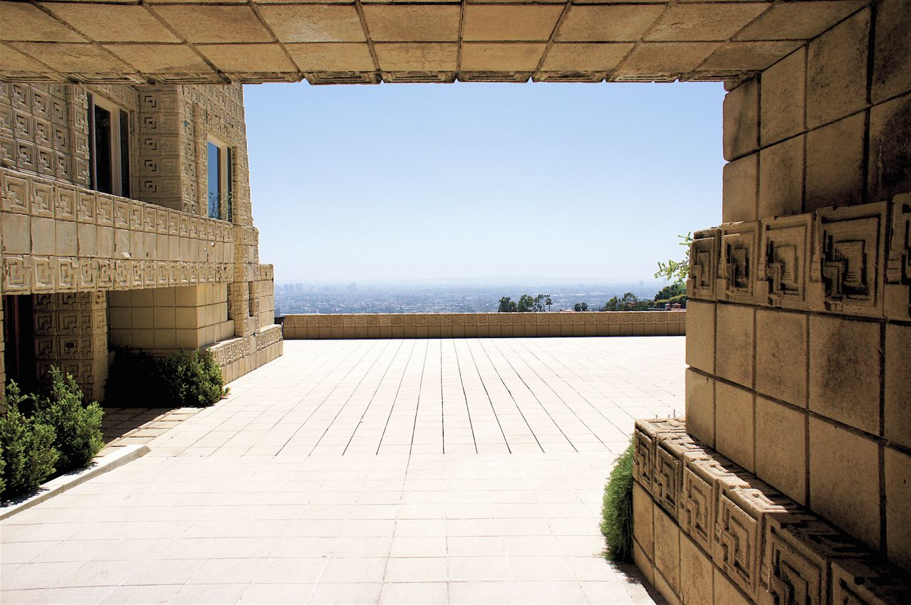Casa Charles Ennis, Frank Lloyd Wright, vista hacia el exterior.